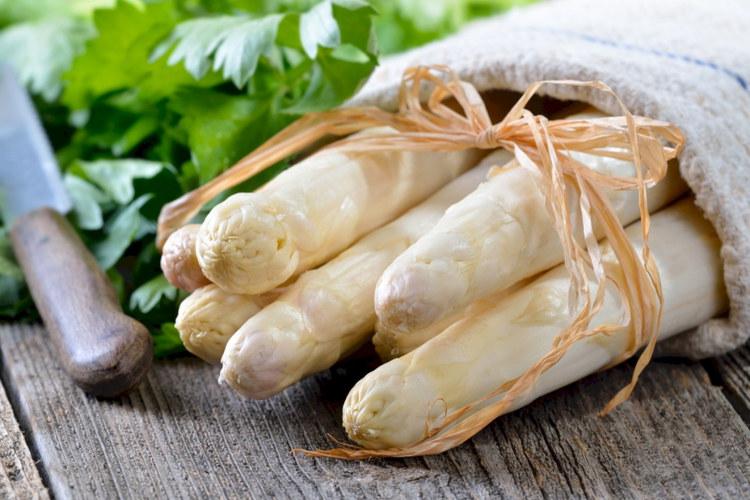 prodotti del territorio-asparago bianco cimadolmo