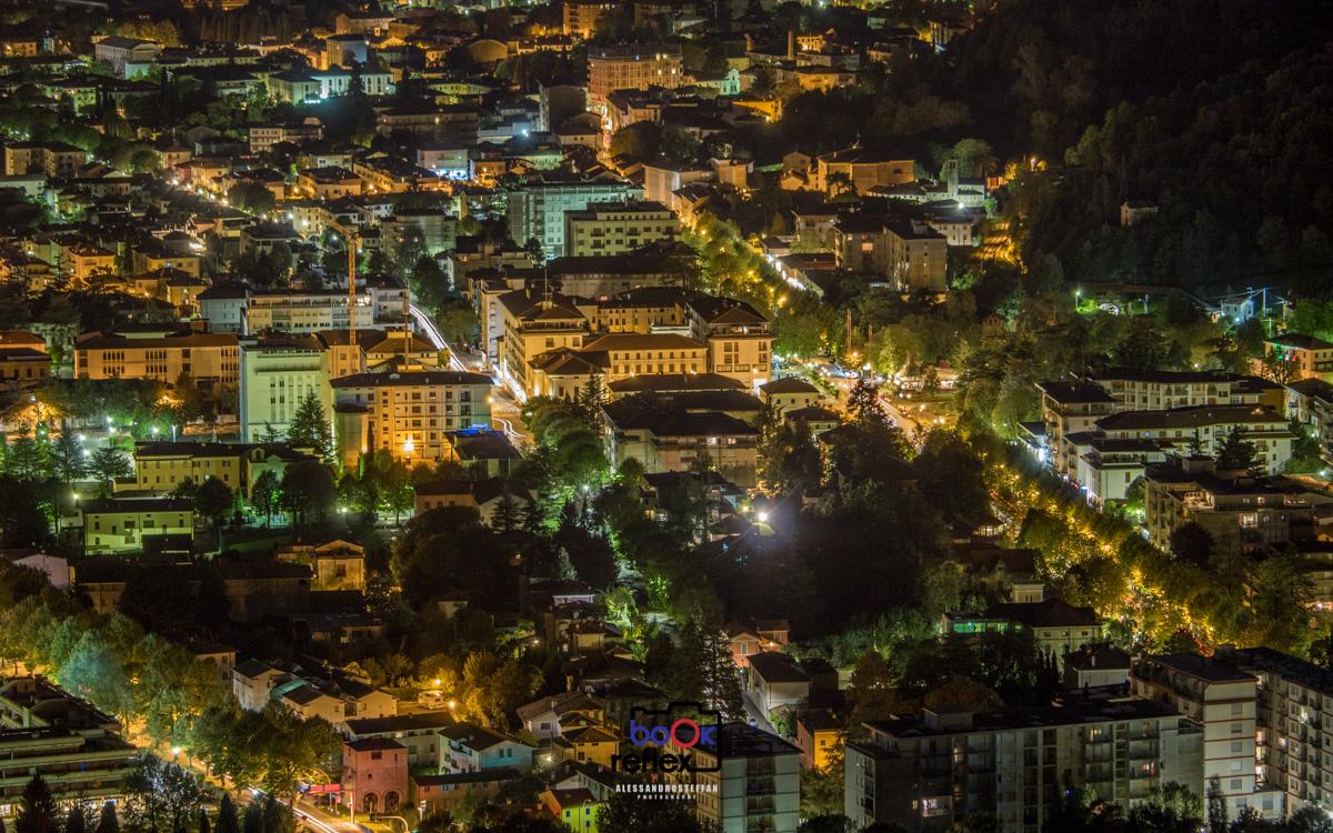 vittorio veneto centro città notturna