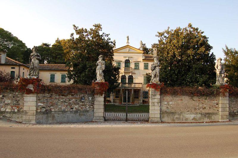 Pederobba-Villa Caragiani
