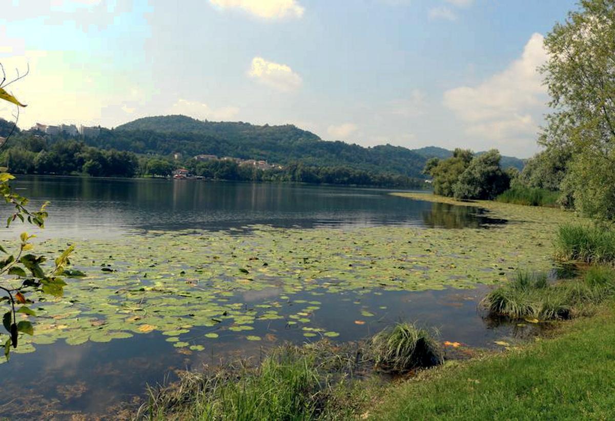Revine Lago-Passeggiata lungo il lago a Santa Maria